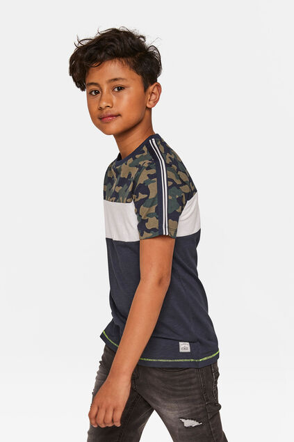 Jonges camouflage colourblocking T-shirt Donkerblauw